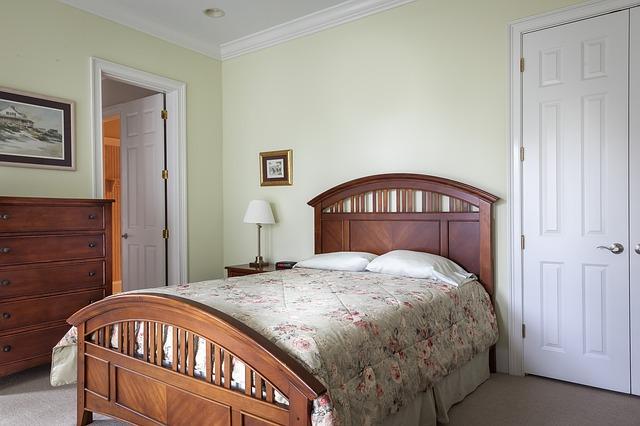 bedroom-389259_640