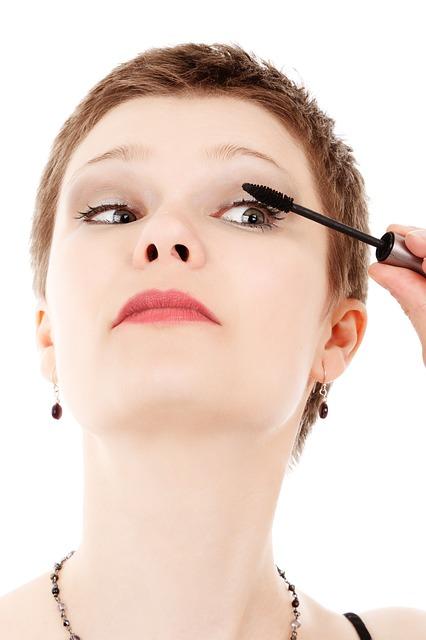 Como fazer uma maquiagem para o dia